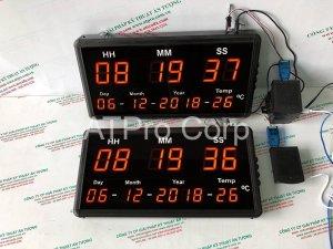 đồng hồ led treo tường đồng bộ thời gian