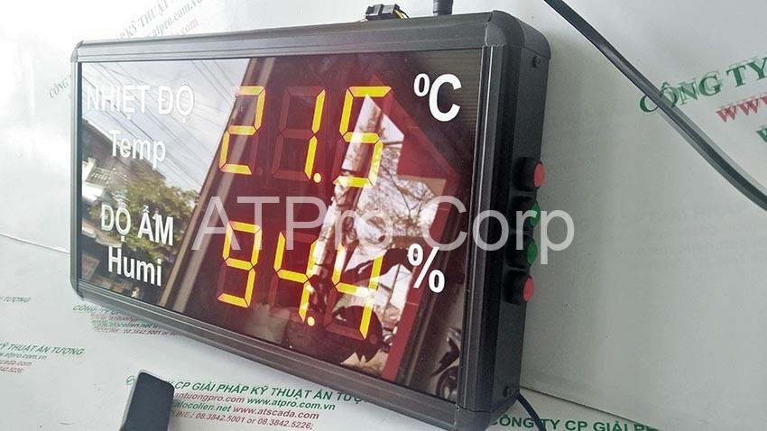 cạnh phải thiết bị đo nhiệt độ độ ẩm