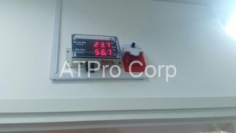 thiết bị giám sát nhiệt độ độ ẩm