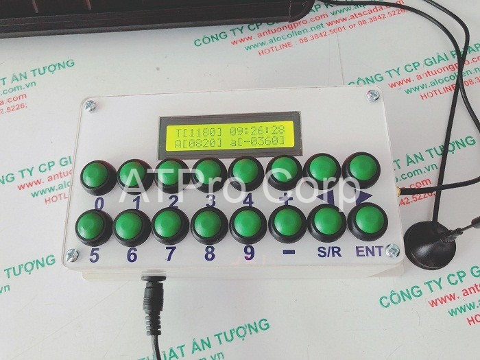 hộp điều khiển bảng điện tử theo dõi năng suất