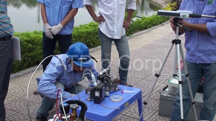 Tần suất lấy mẫu và dạng thiết bị cần phải đảm hoạt động thông thường của vị trí điểm quan trắc
