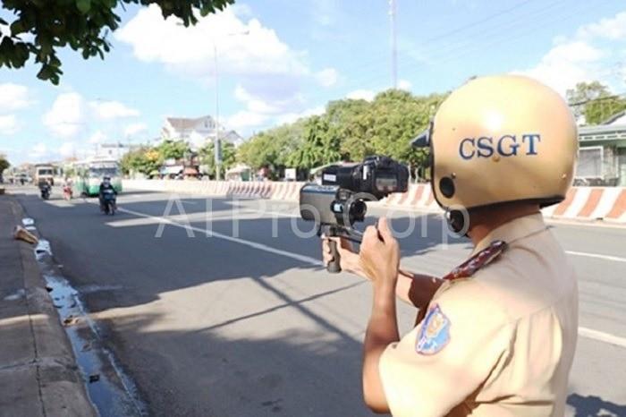 Thiết bị giám sát tốc độ được Cảnh sát giao thông sử dụng chính