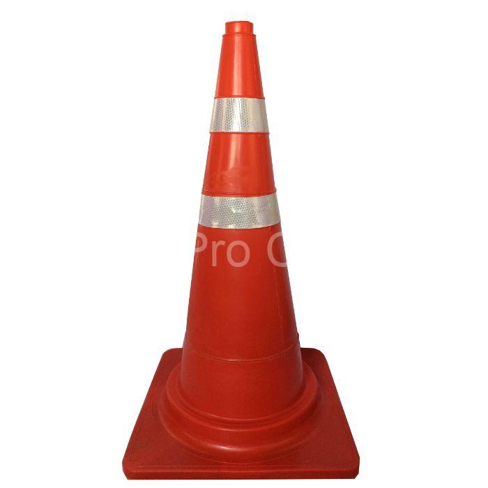 Cọc tiêu giao thông là thiết bị cảnh báo tai nạn được dùng phổ biến hiện nay