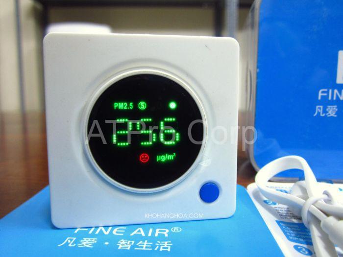 Máy đo chất lượng không khí là thiết bị điện tử đo độ ô nhiễm của không khí trong nhà hoặc các khu vực bên ngoài
