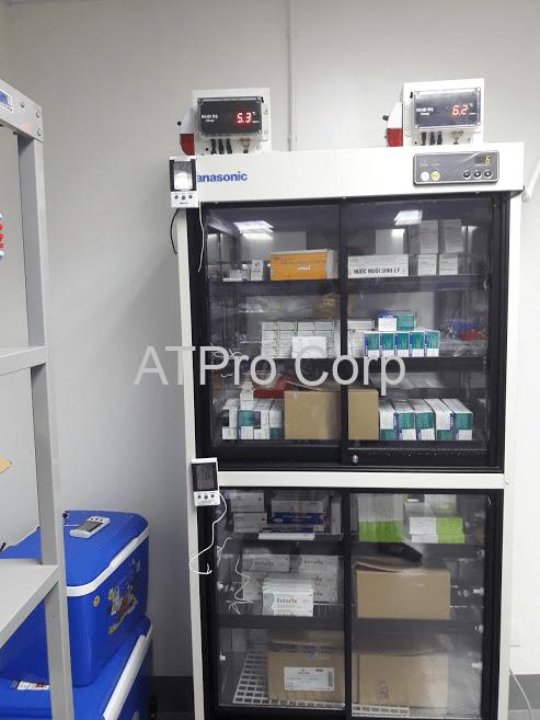 Hệ thống giám sát nhiệt độ tủ thuốc - hình ảnh lắp đặt